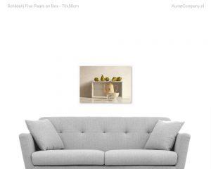 schilderij five pears on box